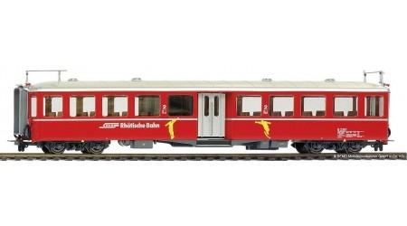 """Bemo 3245 121 Mitteleinstiegswagen B 2301 RhB """"Wintersportsymbole"""""""