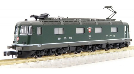 Kato / Hobbytrain 10174 Elektr. Lokomotive Re 6/6 SBB in grüner Farbgebung